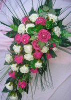 ARTIFICIAL FLOWERS IVORY/HOT PINK ROSE BRIDE WEDDING SHOWER TEARDROP BOUQUET